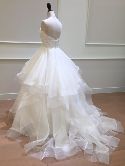 カレンデュラ|ホースヘアー|グランマニエのウエディングドレス
