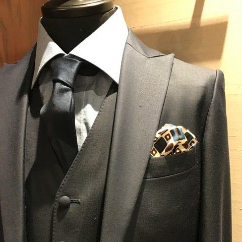 ポケットチーフ グランマニエのタキシード メンズ