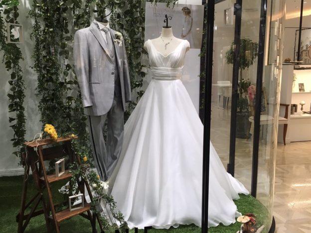インペリアル ホワイト グランマニエのウエディングドレス