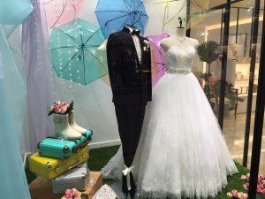 【エーダ】チュール素材に花柄のプリントスカートの大人可愛いドレスを展示