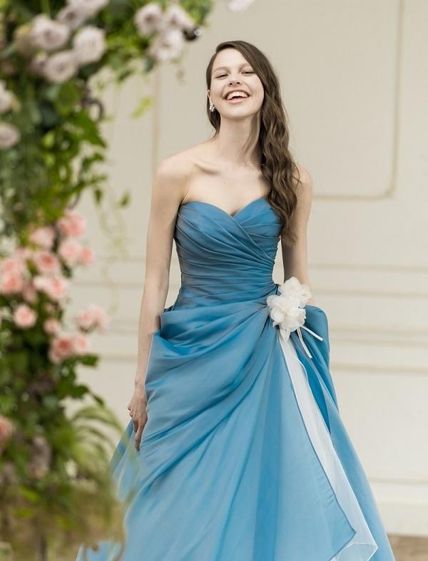 メリルストリープ|ブルー|カラードレス