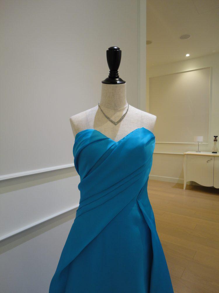 ローレン|ティファニーブルーのカラードレス
