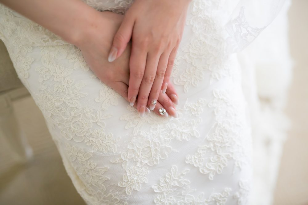 ブライダルネイル|手元|グランマニエの花嫁