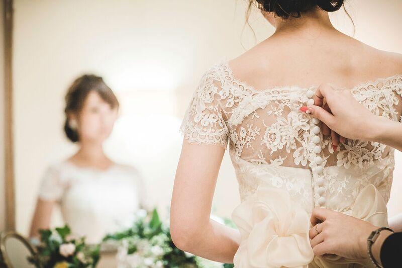 ウエディングドレス|フィッター雰囲気