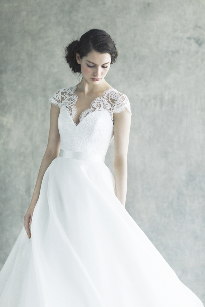 ALICIA_アリシア|グランマニエのウエディングドレス