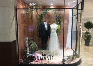 【ジュエル】ロマンティックなオーバースカートを纏い大人花嫁ドレスを展示