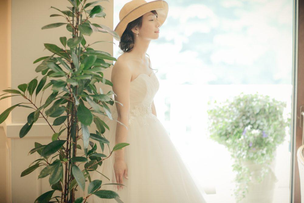 夏コーデ|麦わら帽子|ストローハット|グランマニエのウエディングドレス
