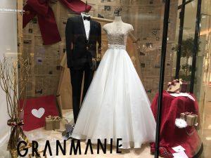 【マーガレット】トレンド・ヌードレースのウエディングドレスを展示