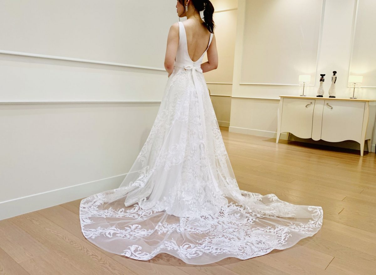 Vanessa ヴァネッサ シンプルで美しい2wayウエディングドレス